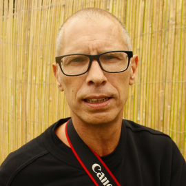 richard-kanters-oprichter-bedenker-teamlid-vrijwilliger-fotograaf-partymania-stappen-van-den-haag-stappen-070
